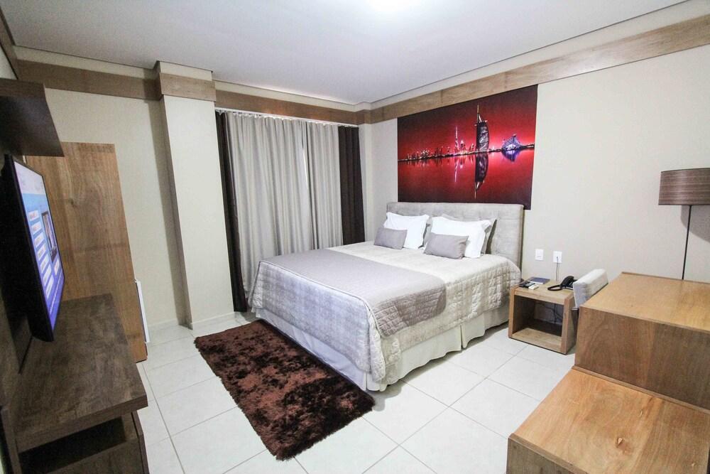 Gallery image of Prisma Plaza Hotel
