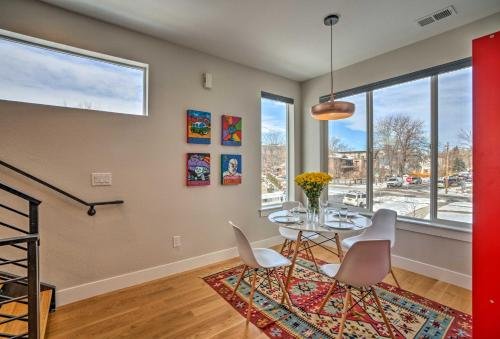 Upscale Townhome 1 Block to Mile High Stad.