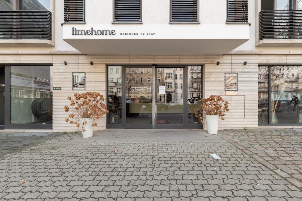 Gallery image of Schoenhouse Studios