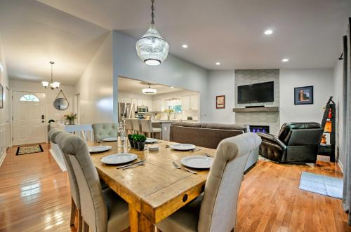 Open Concept Ann Arbor Home 2 Mi to U of M