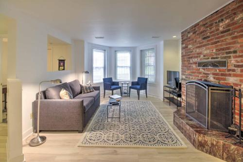 DC Apt in Shaw Area Walk to Metro Shops & Cafes