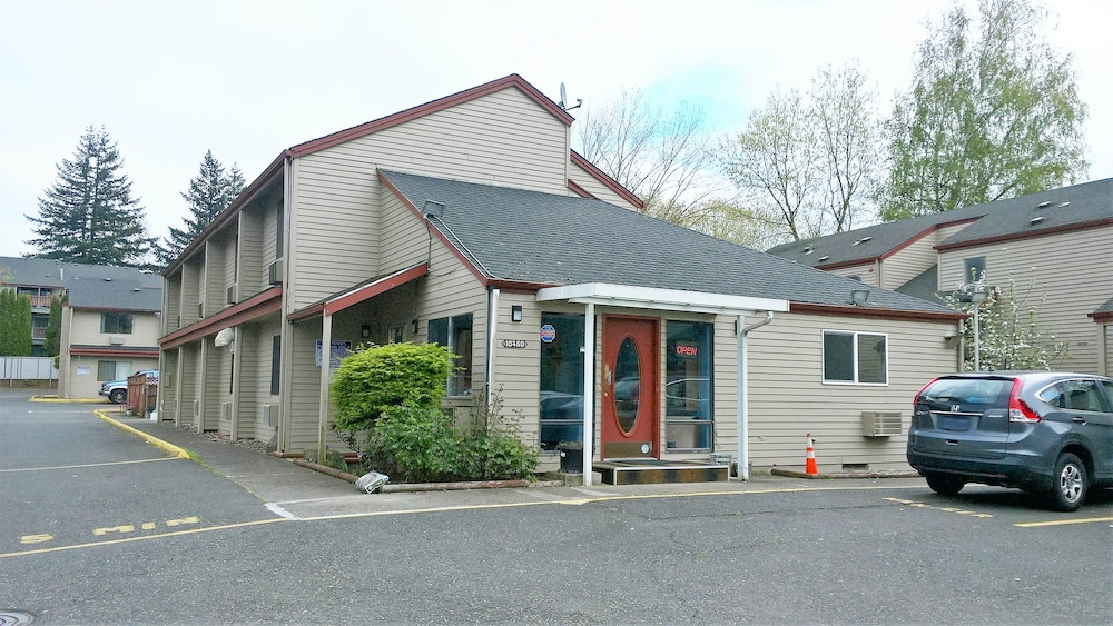 Portland Value Inn & Suites
