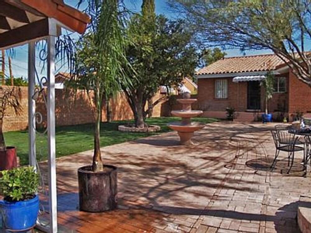 Desert Retreat Bungalow by Casago