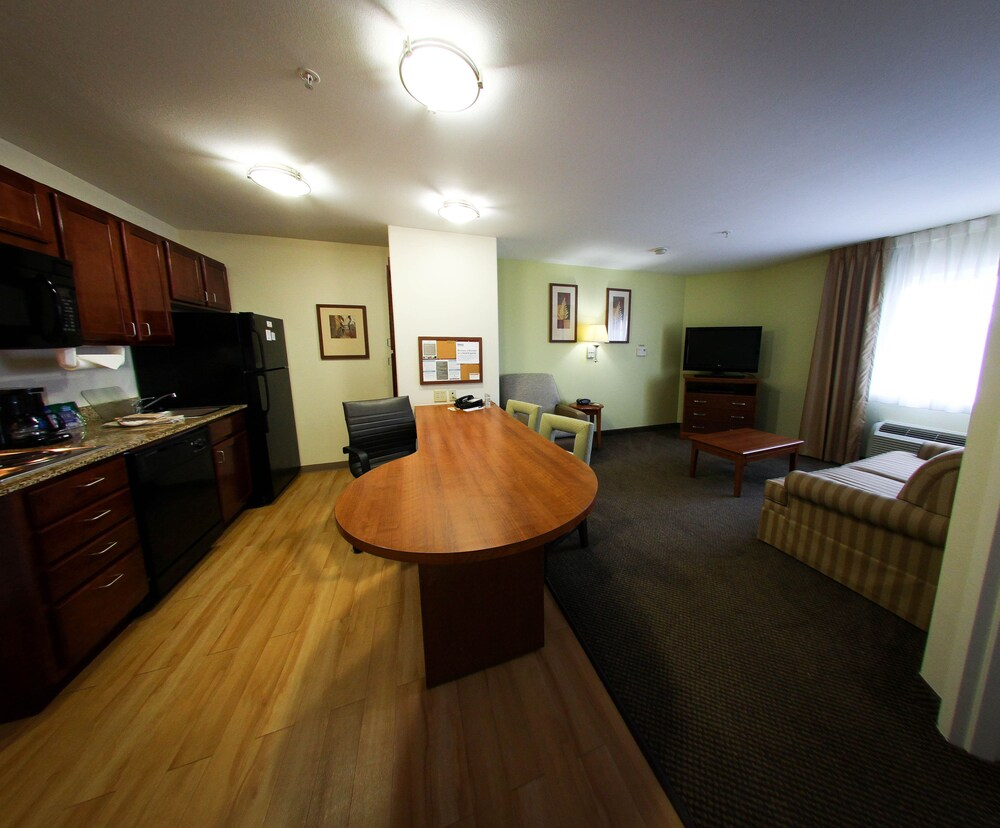 Gallery image of Candlewood Suites Houston Westchase Westheimer.