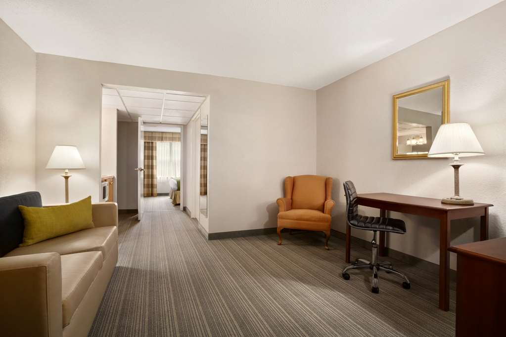 Gallery image of Country Inn & Suites by Radisson Charlotte University Place NC