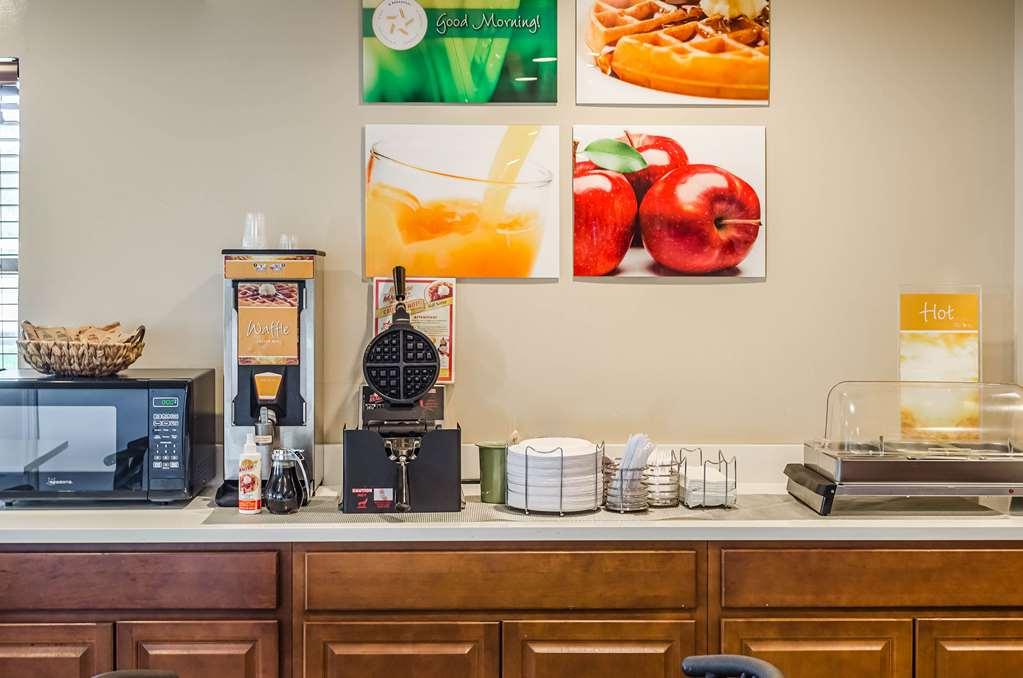 Gallery image of Quality Inn Charleston Gateway