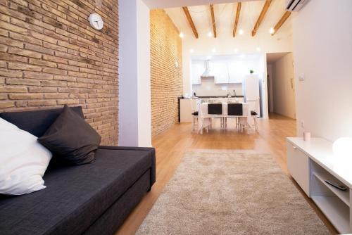 Cozy 2 Bedroom Wifi AC Apartment in Ruzafa