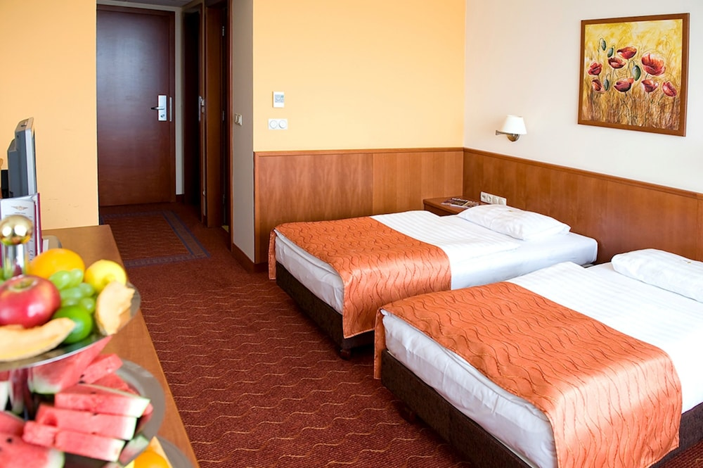 Gallery image of Airport Hotel Budapest