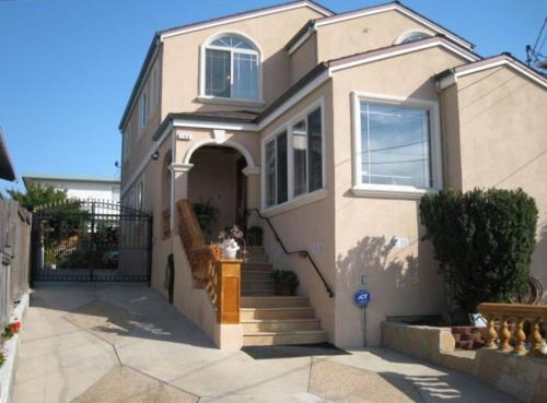 Luxury 5 Bedroom Home near SFO