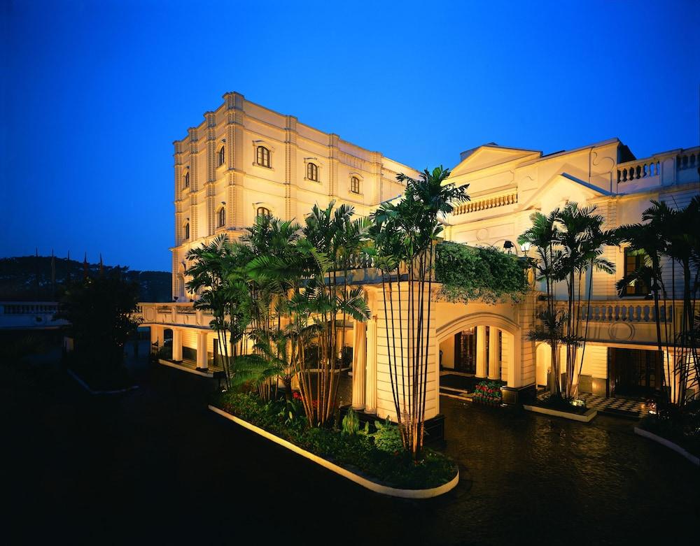 The Oberoi Grand Kolkata Hotel