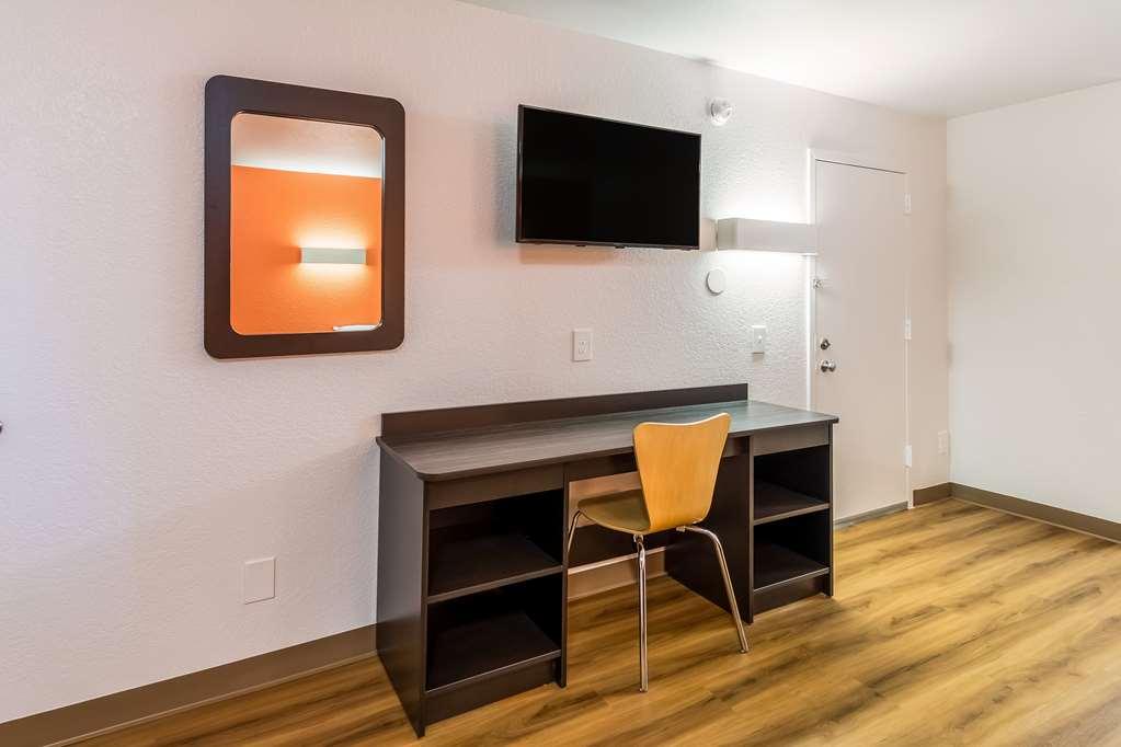 Gallery image of Motel 6 Arlington TX UTA