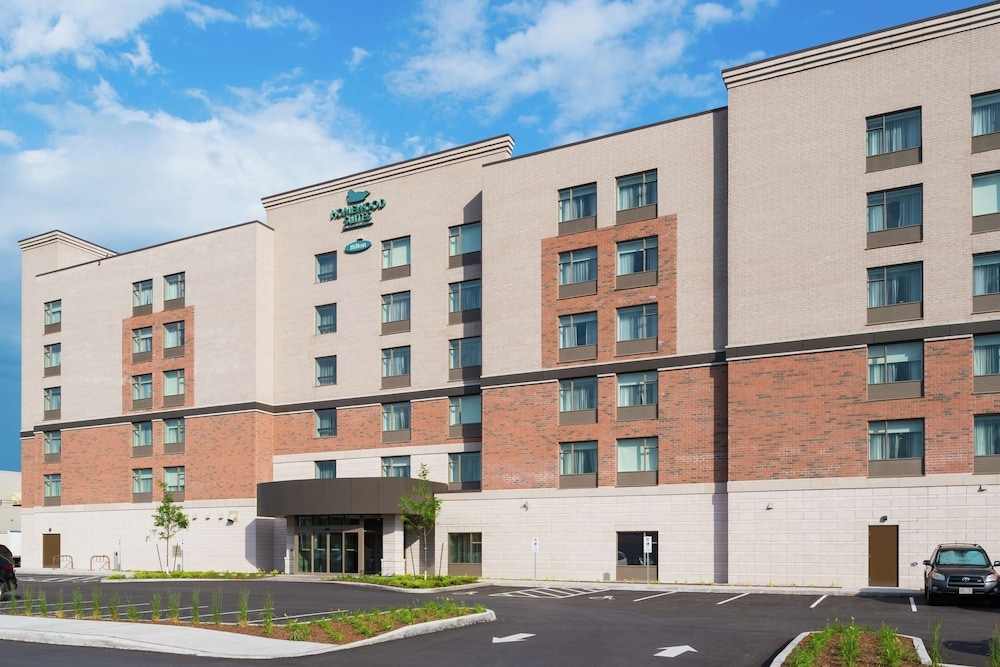 Homewood Suites by Hilton Ottawa Airport