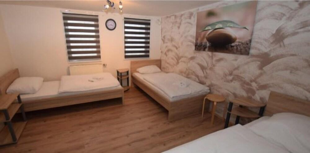 AB Apartment 83