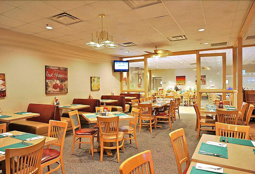 Gallery image of Voyager Resort Inn