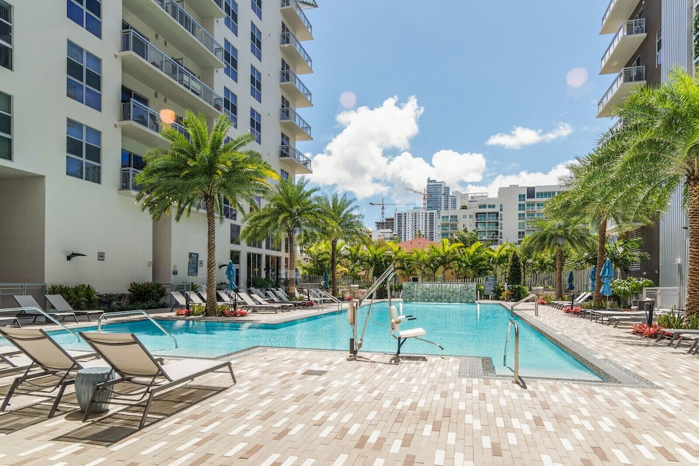 Biscayne Townhomes by Sextant