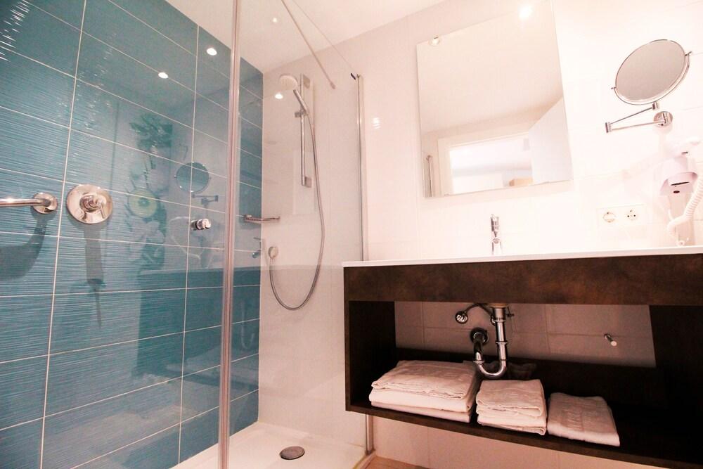 Gallery image of Universal Aparthotel Elisa