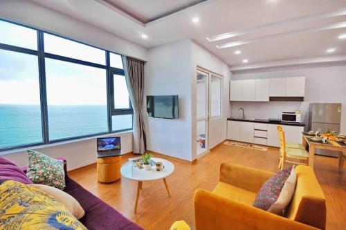 5 Beautiful Beachfront Fantasyview 2 Br 3032.