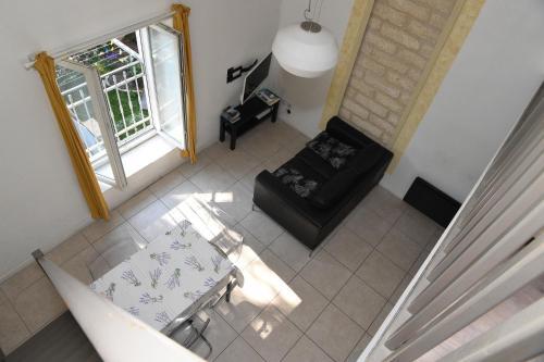 Renouvier Apartment