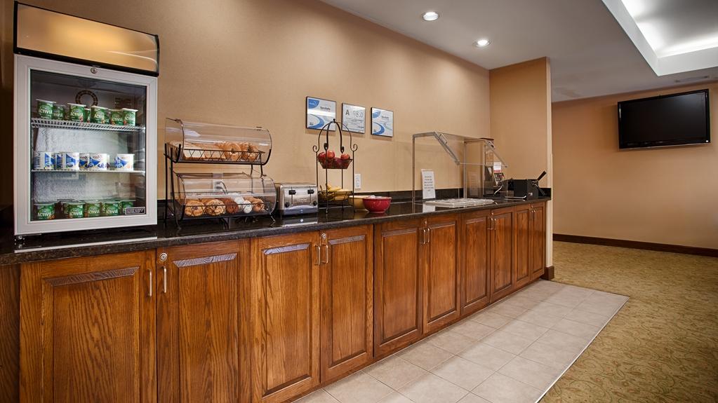Gallery image of Best Western Plus Edison Inn