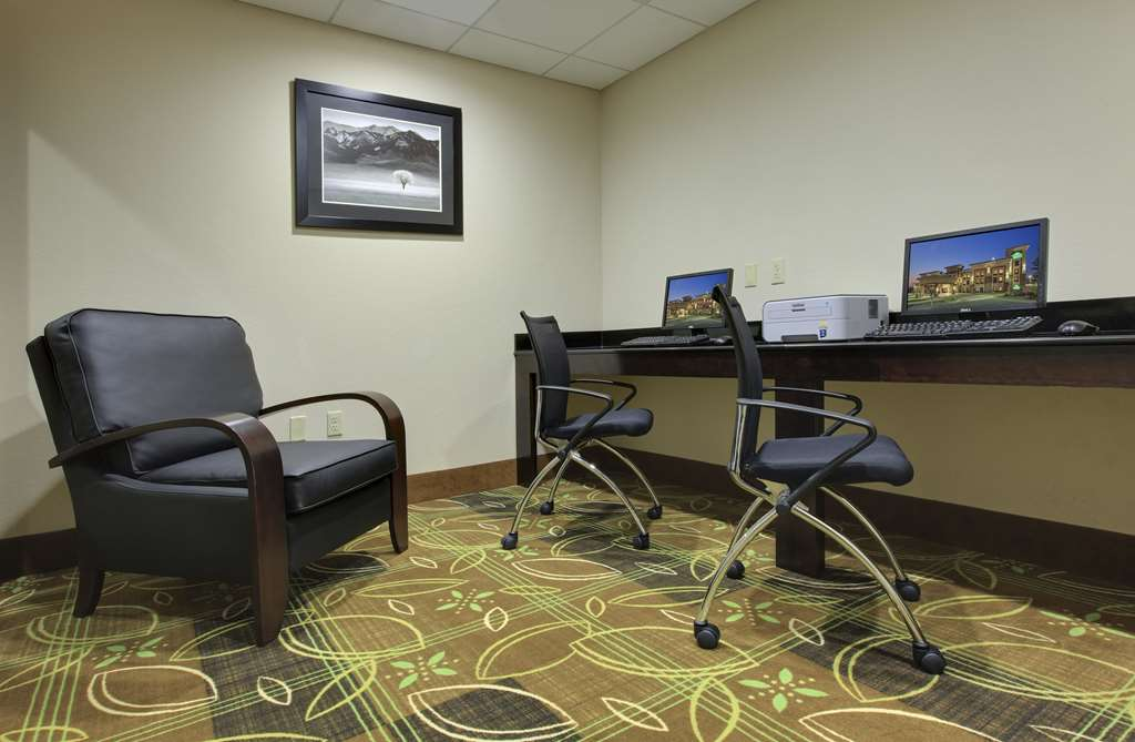 Gallery image of La Quinta Inn & Suites by Wyndham Memphis Wolfchase