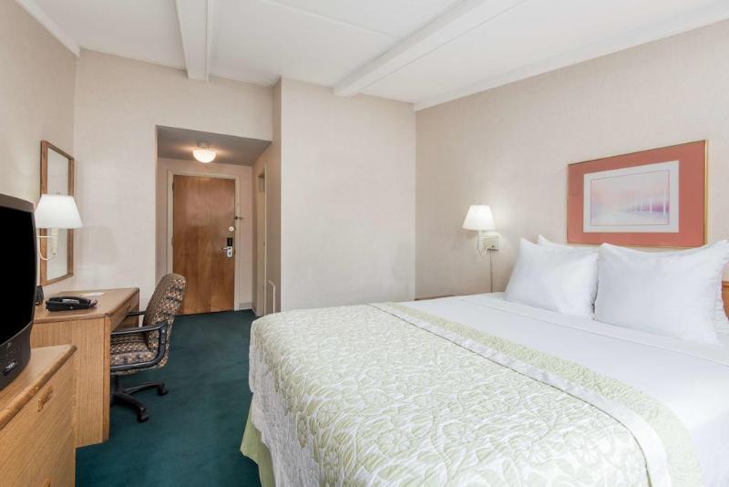 Gallery image of Days Inn Springfield Chicopee MA