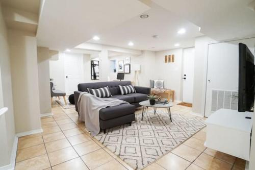 Trendy & Pet Friendly 1BR Apt Great for Travellers C5