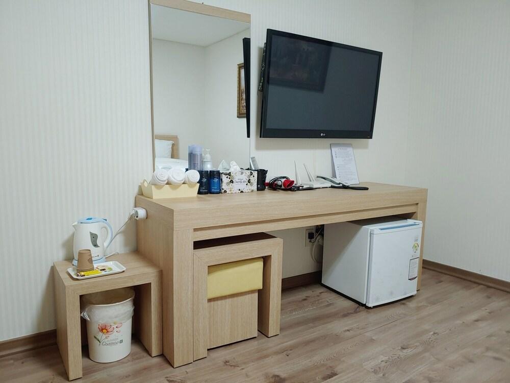 Gallery image of Elena Hotel