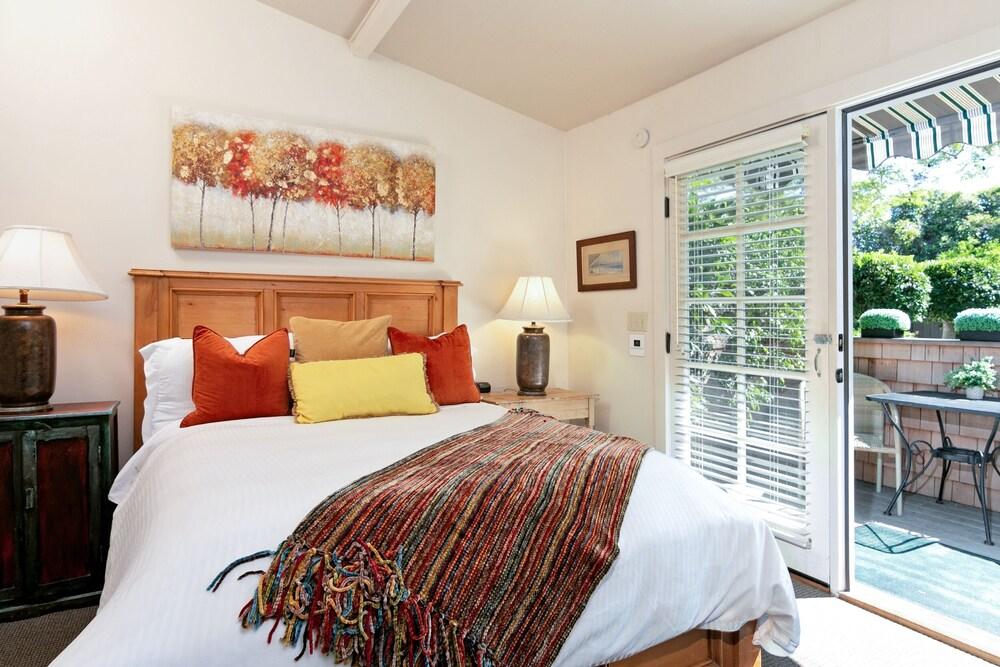 New Listing The Brighton Suite At De La Vina Inn Studio Bedroom Hotel Room