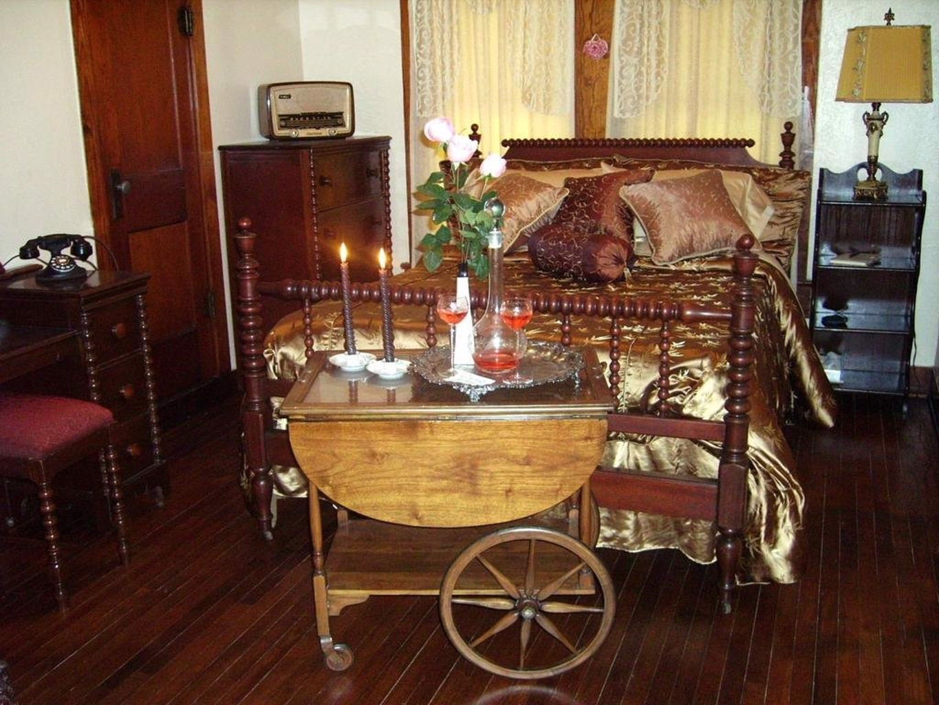 Alla's Historical Bed And Breakfast Spa And Cabana