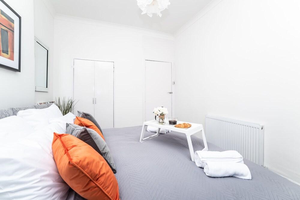Klass Living Dalmarnock Bridge Apartment Book Direct for Best Rate