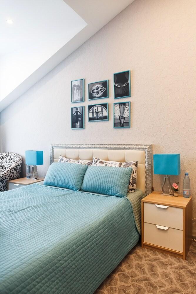 Gallery image of Citadel Comfort Hotel