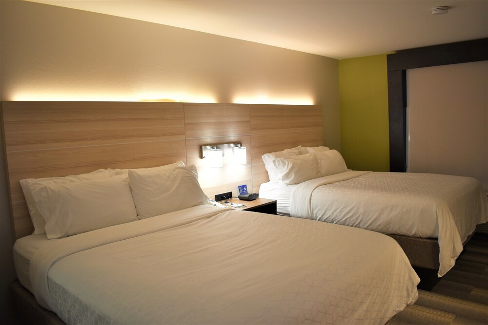 Gallery image of Holiday Inn Express & Suites Sedalia