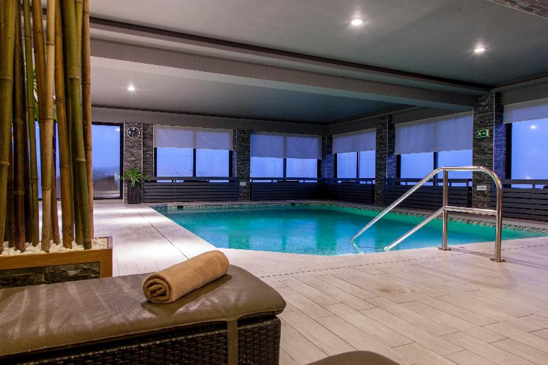 Victoria (ویكتوریا) Pool