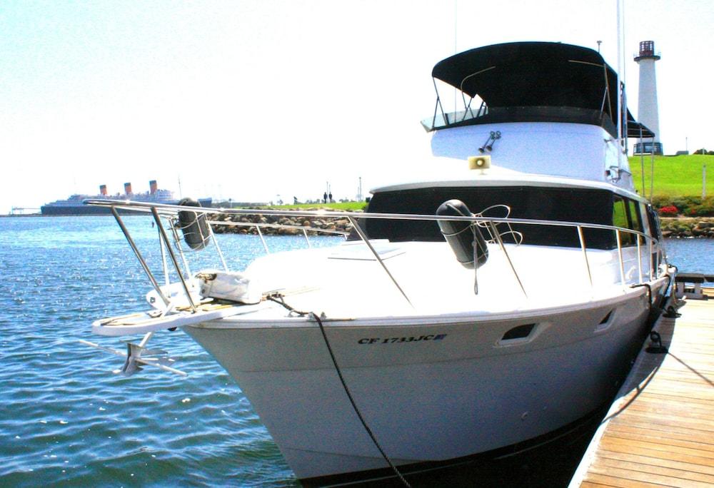 Dockside Boat & Bed Long Beach