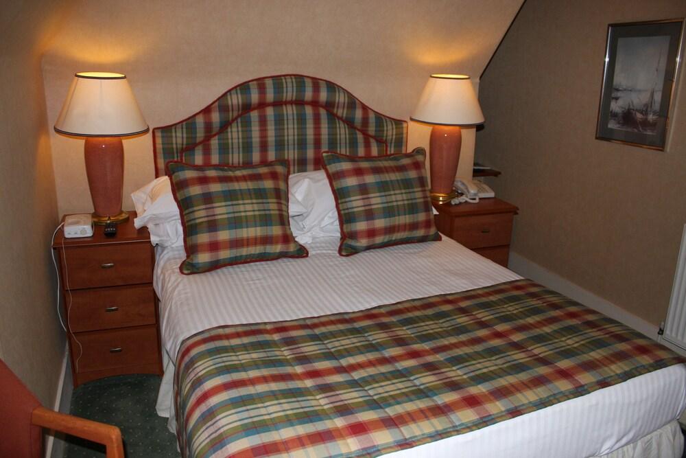 Gallery image of Loch Kinord Aberdeenshire