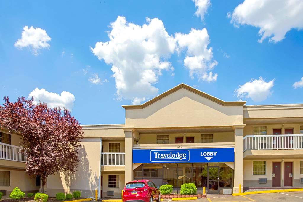 Gallery image of Travelodge by Wyndham Silver Spring