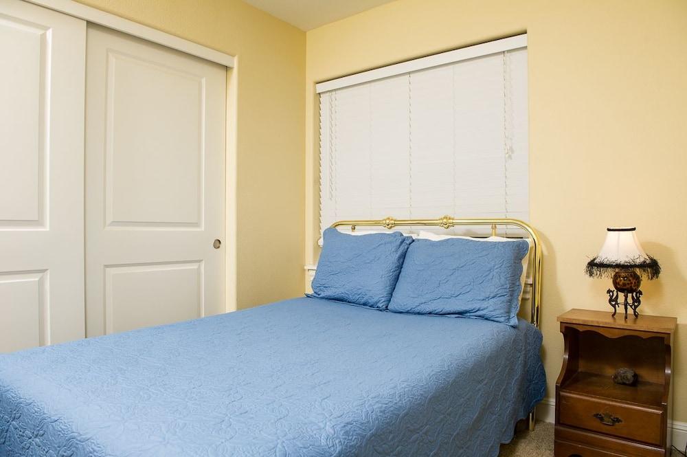 Sea Quest 4 Bedroom Home