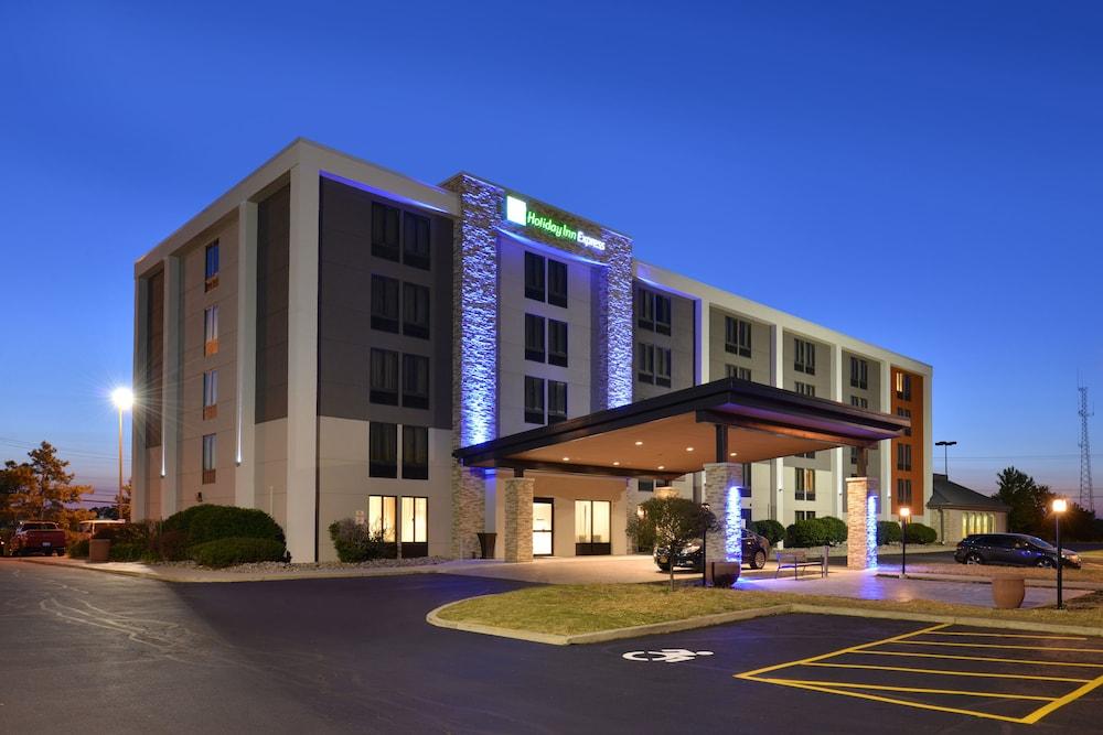Holiday Inn Express Rochester University Area