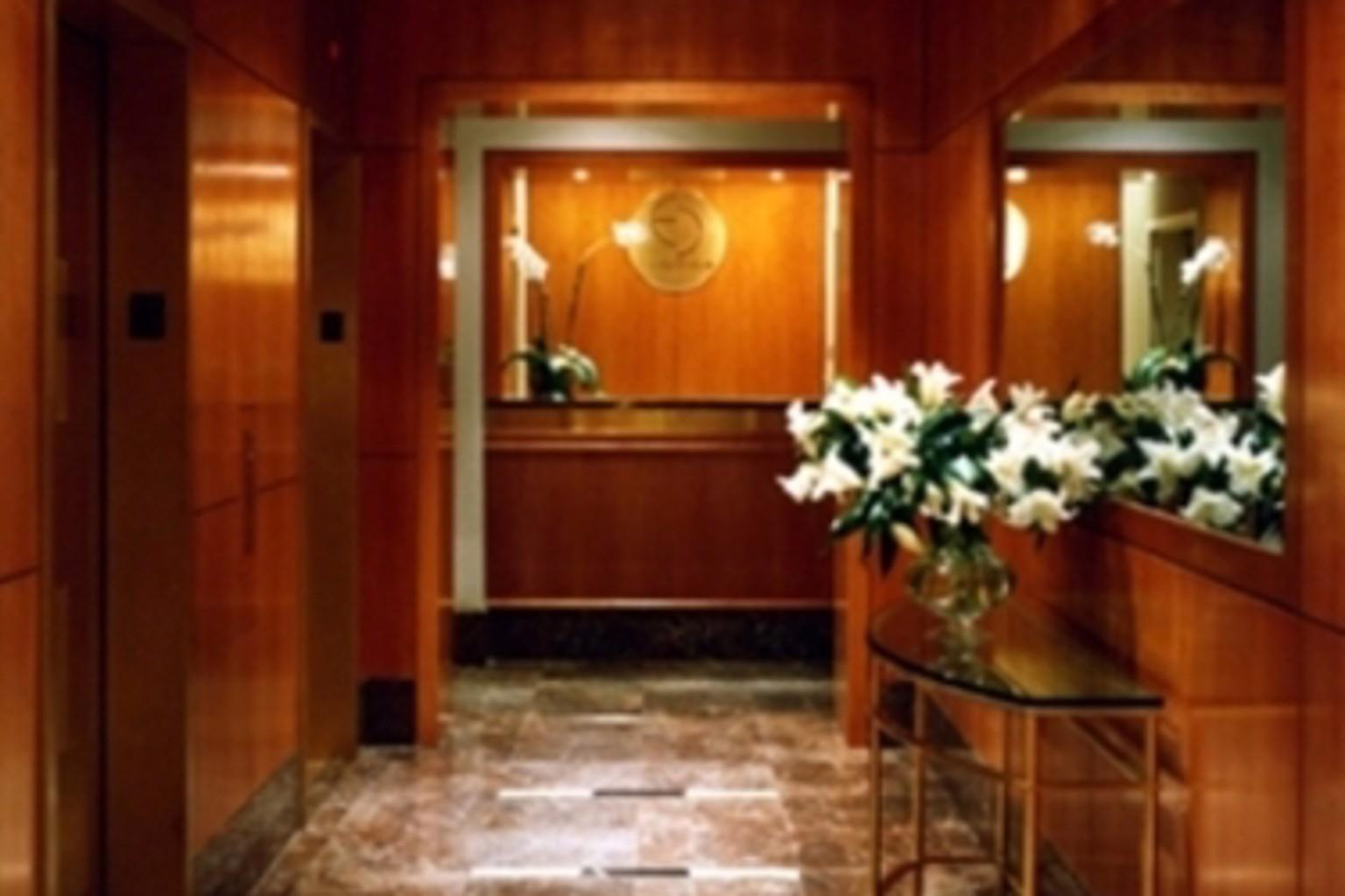 Gallery image of Envoy Club