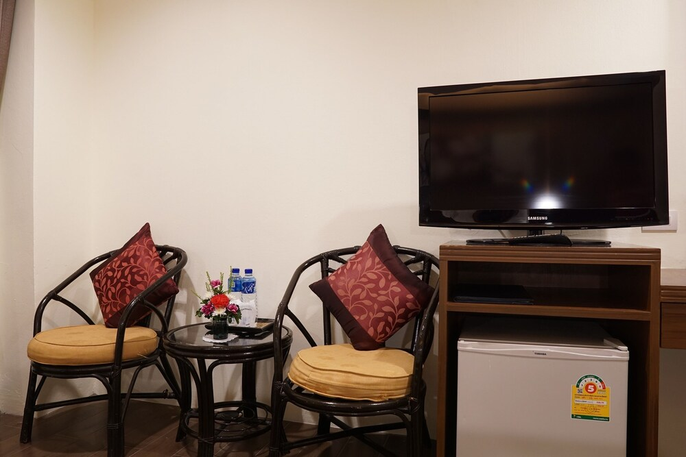 Gallery image of Bay Breeze Hotel Pattaya