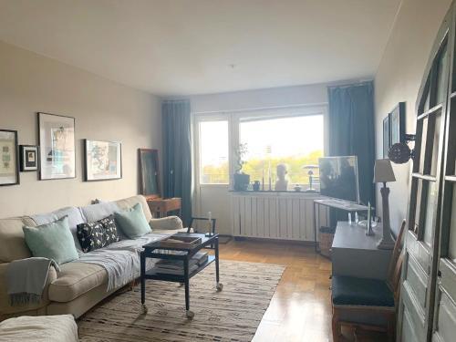 Top floor apartment overlooking Tantolunden