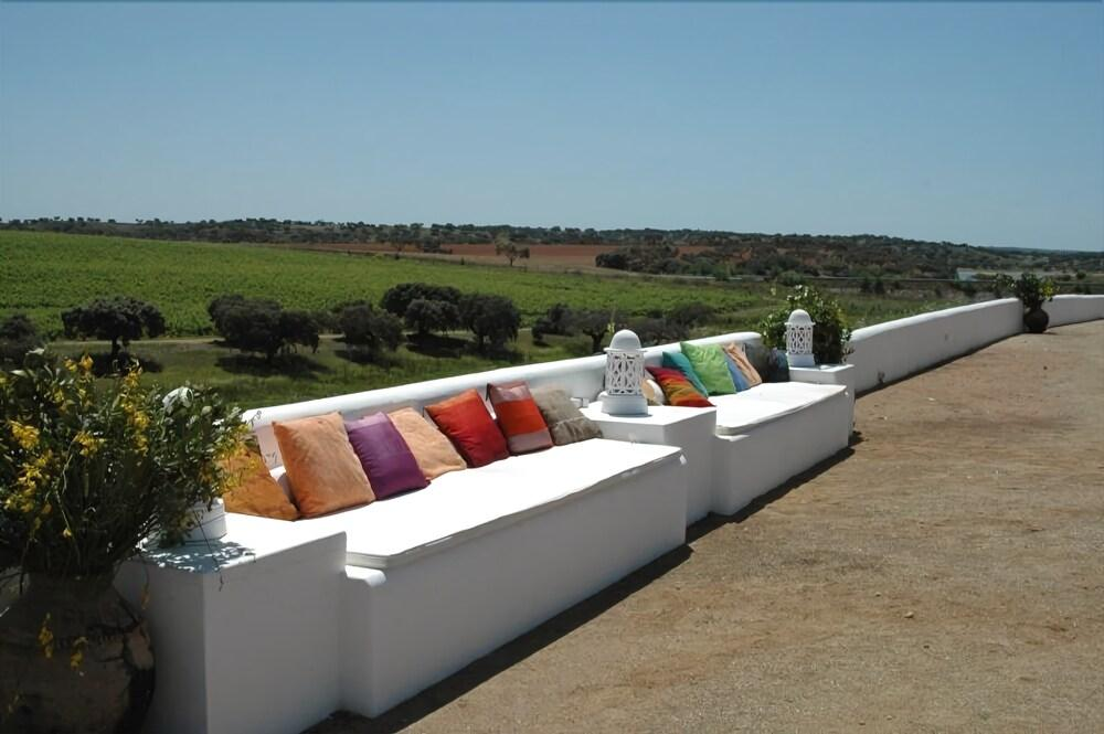 Gallery image of Herdade Do Sobroso Wine & Luxury Boutique Hotel