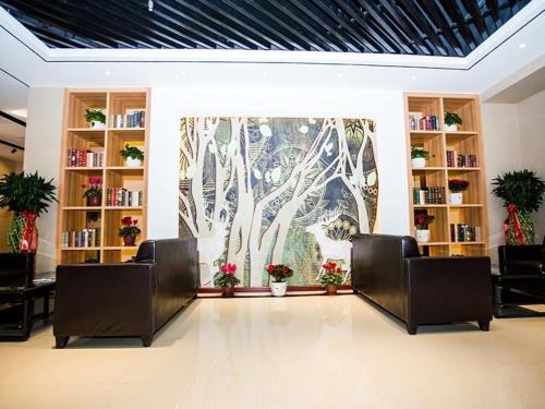 Greentree Alliance Qingdao Chengyang District East Jinhong Road Motor Car Town Hotel
