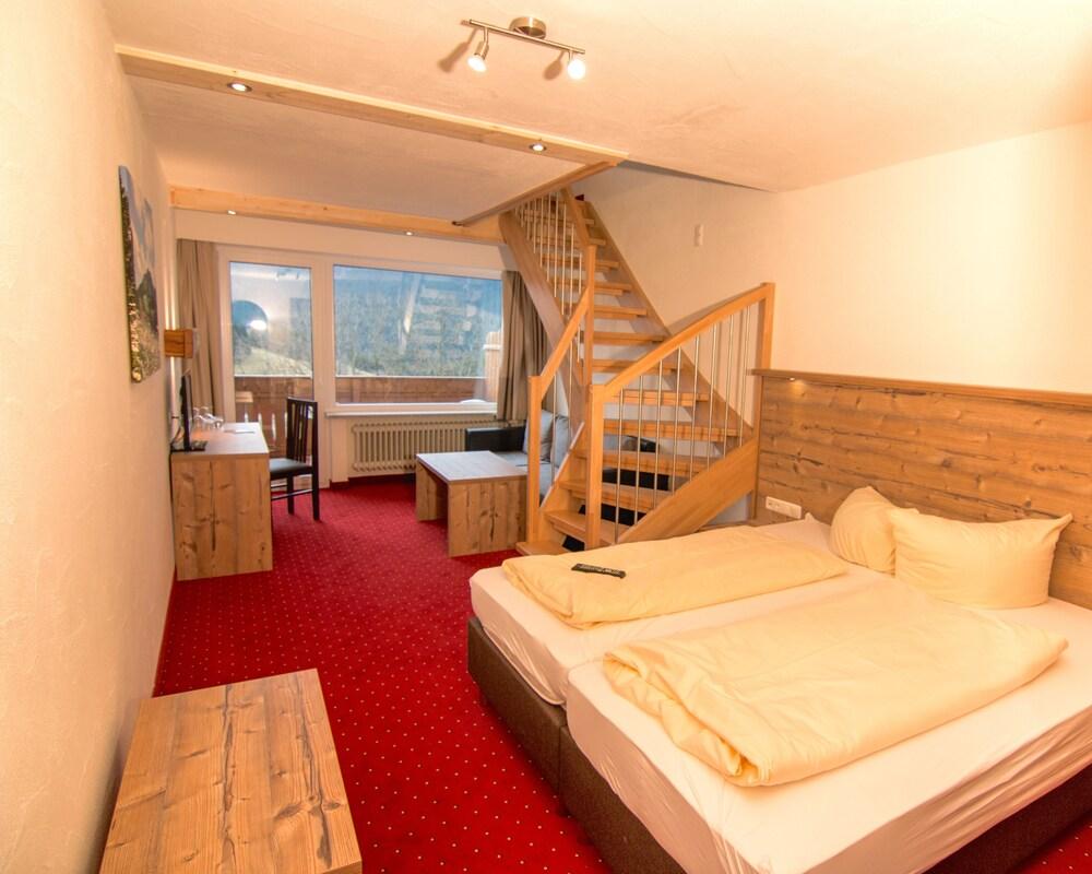 Gallery image of Berghotel Tirol