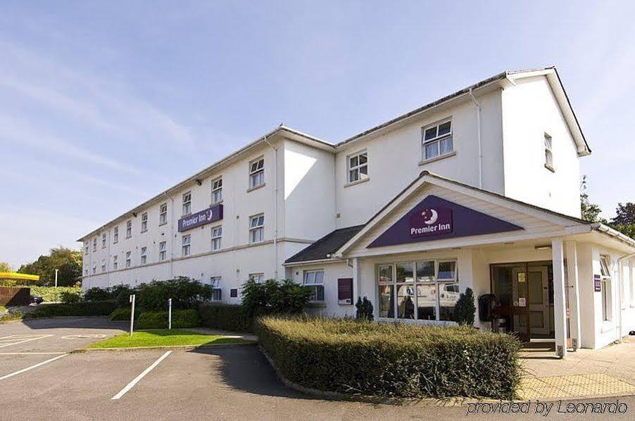 Gallery image of Premier Inn Cheltenham Central
