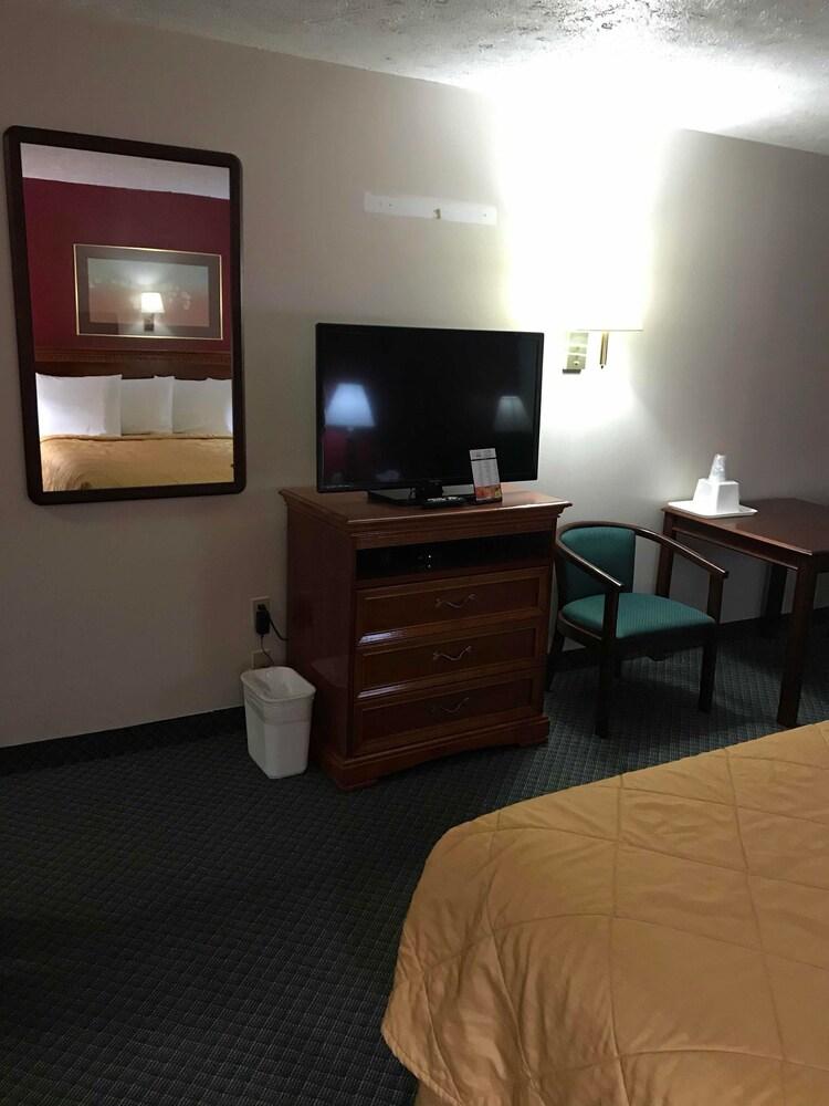 Gallery image of Cadillac Inn