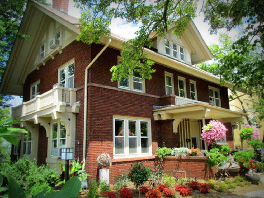 Mendota Lake House Inn