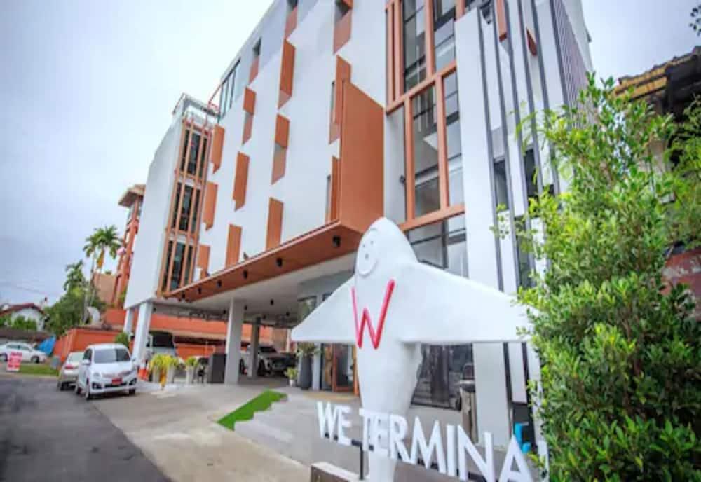 We Terminal Hotel