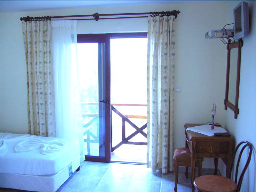 Gallery image of Castelino Akyarlar Butik Otel