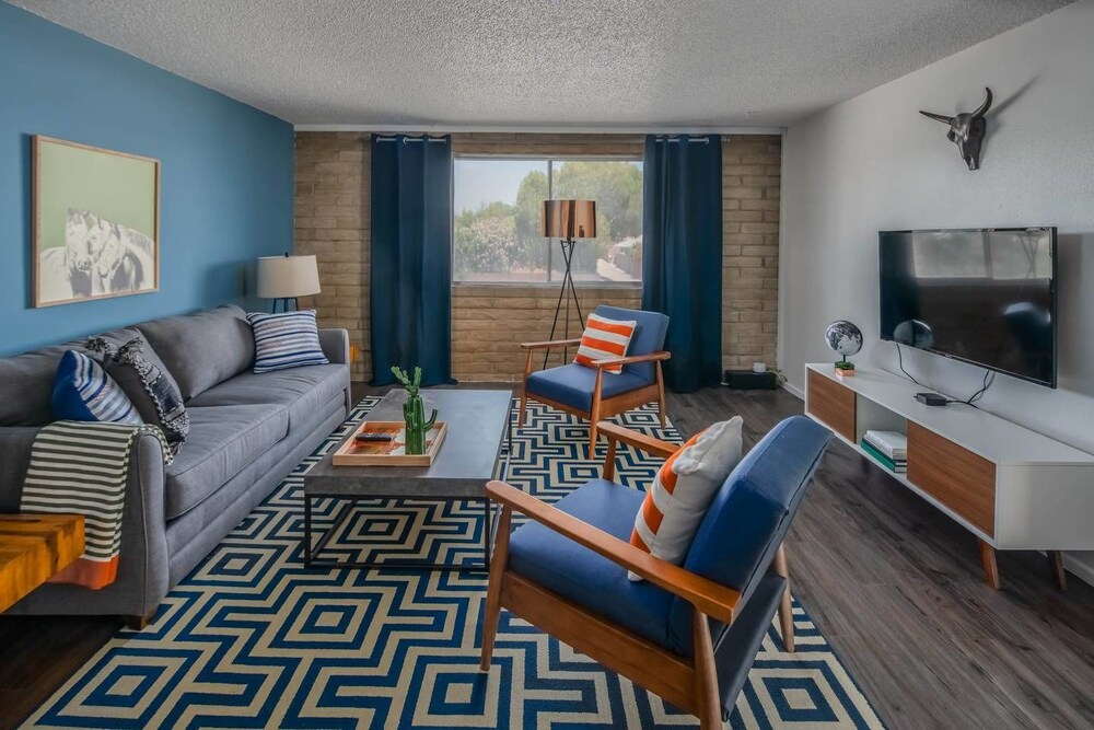 Charming 1BR With Pool by WanderJaunt